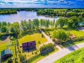 Parduodama sodyba Molėtų rajone, ant ežero