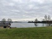 Parduodama sodyba ant ežero kranto