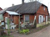 Parduodame puse gyvenamo namo Radviliškio