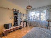 Klaipėdoje, Debreceno gatvėje parduodamas trijų kambarių perplanuotas butas penkiaukščio trečiame aukšte. Bute atliktas remontas prieš ...