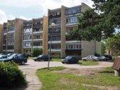 Parduodamas 1 k. butas (37 kv.m.) J. Basanavičiaus g., Varėnos mieste. 3-čias aukstas is 5-kių, su ilgu balkonu. Su baldais. Yra r...