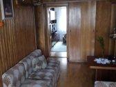Parduodamas antrame aukšte 3 kambarių su holu