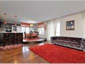 Parduodamas prabangiai bei labai kokybiškai įrengtas 93 kv. m butas Ginetiškėse, privačių namų kvartale. Butas yra 2-ame aukšte, 3...