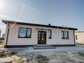 Klaipėdos raj. Klipščių gyvenvietėje parduodamas naujai pastatytas ir pilnai įrengtas 92 kv. m. gyvenamasis namas. Name suprejoktuoti ...