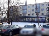 Išnuomojamos miesto centre 65 kv.m ploto patalpos ( du įėjimai, rampa,  signalizacija, reikalingas remontas), pilnai renuovotame p...