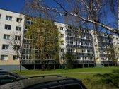 Be tarpininkų parduodamas 2 kambarių butas (vienas kambarys - 15,94, kitas - 13,83, virtuvė - 6,10, koridorius - 4,21, vonios kamb...