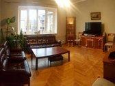 Klaipėdos centre, renovuotame name, Liepų g.