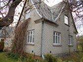 Parduodamas mūrinis gyvenamasis namas