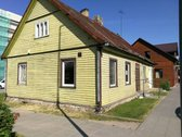 Parduodamas pastatas Prienų miesto centre.