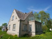 Parduodamas remontuotinas mūrinis namas