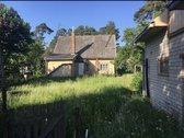 Parduodamas sklypas su namu, zemes plotas 10