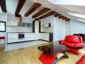 Parduodamas trijų kambarių, mansardinis butas