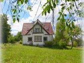 Giedraičiuose parduodamas mūrinis namas, kurį