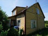 Parduodamas medinis namas su erdviu namų