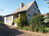 Parduodamas 2 aukštų namas su rūsiu ir ūkiniu