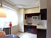 Parduodamas 2 kambarių su holu butas