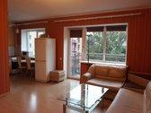 Parduodamas 2 kambarių butas su balkonu ir