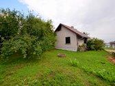 Parduodamas namas su 6 arų žemės sklypu sodų