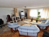 Parduodamas erdvus ir jaukus butas su baldais