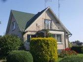 Parduodamas 2 aukštų mūrinis namas su rūsiu