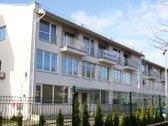 Namas yra centrinėje Palangos miesto dalyje.