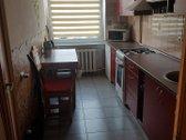 2 kambarių butas, labai ramioje vietoje, virtuvė pilnai įrengta su visa buitine technika ( dujine, šaldytuvas, garų surinkėjas, in...