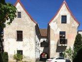 Parduodamas erdvus trijų kambarių butas