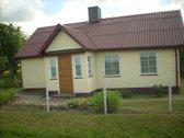 Parduodamas gyvenamasis namas ir žemės