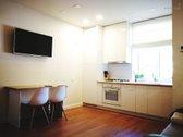 Parduodu įrengtą 4 kambarių butą, Centre per