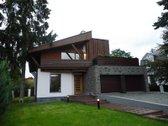Prabangus unikalios architektūros namas