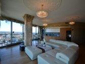 Prabangūs apartamentai su panoraminiais