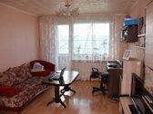 Parduodamas trijų kambarių butas su dideliu