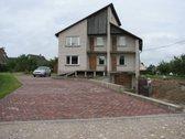 Parduodamas namas su 20 a. sklypu.