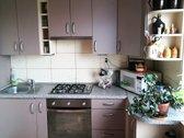 Parduodamas 3 kambarių butas su holu