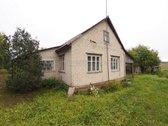 Parduodama sodyba su 43 arų namų valdos