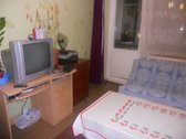 Išnuomuojamas vienas kambarys, trijų kambarių